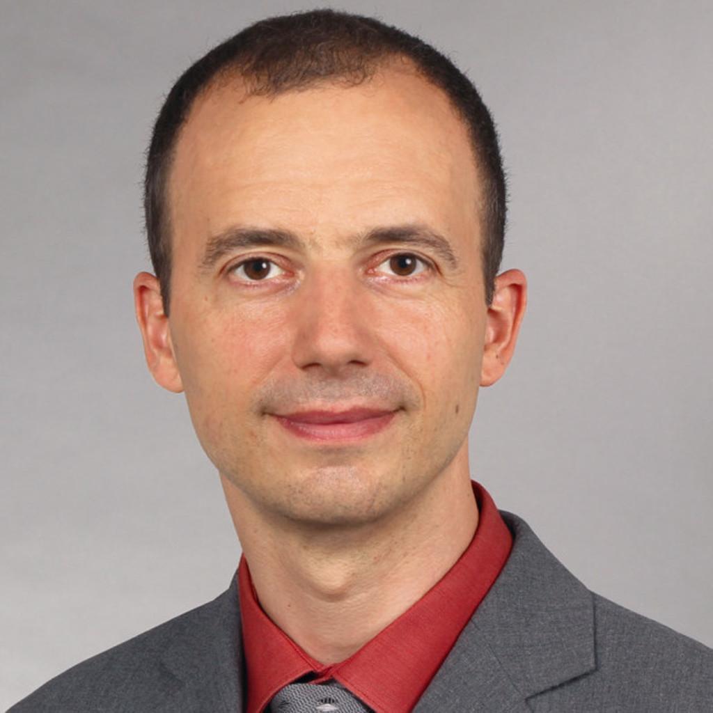 Portrait of Ralf Bührer
