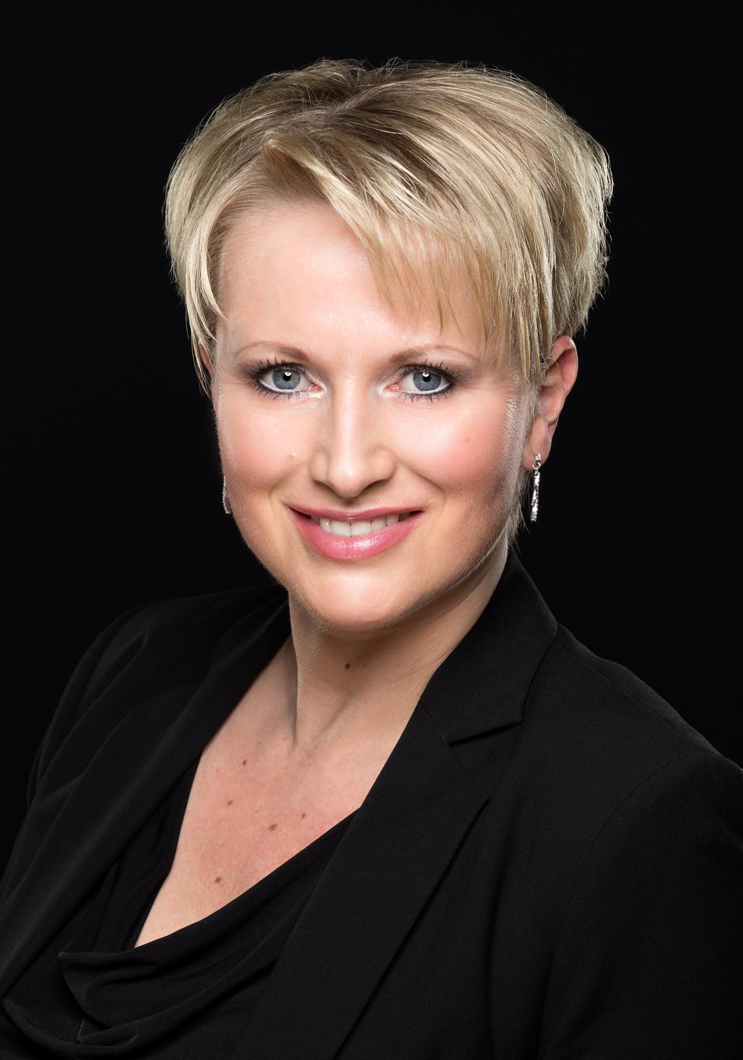 Portrait von Iris Tiemann