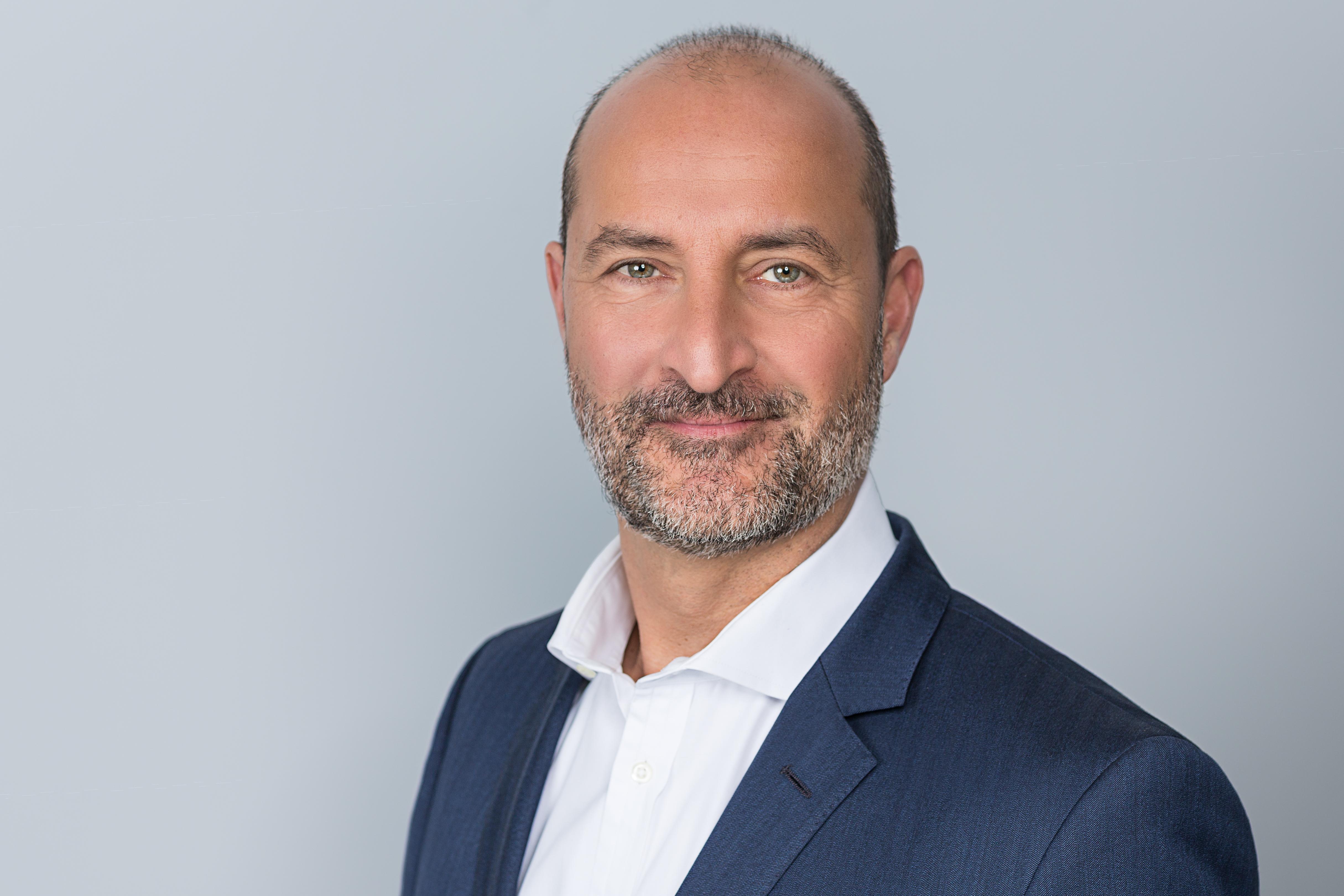 Portrait von Marcel Derakhchan