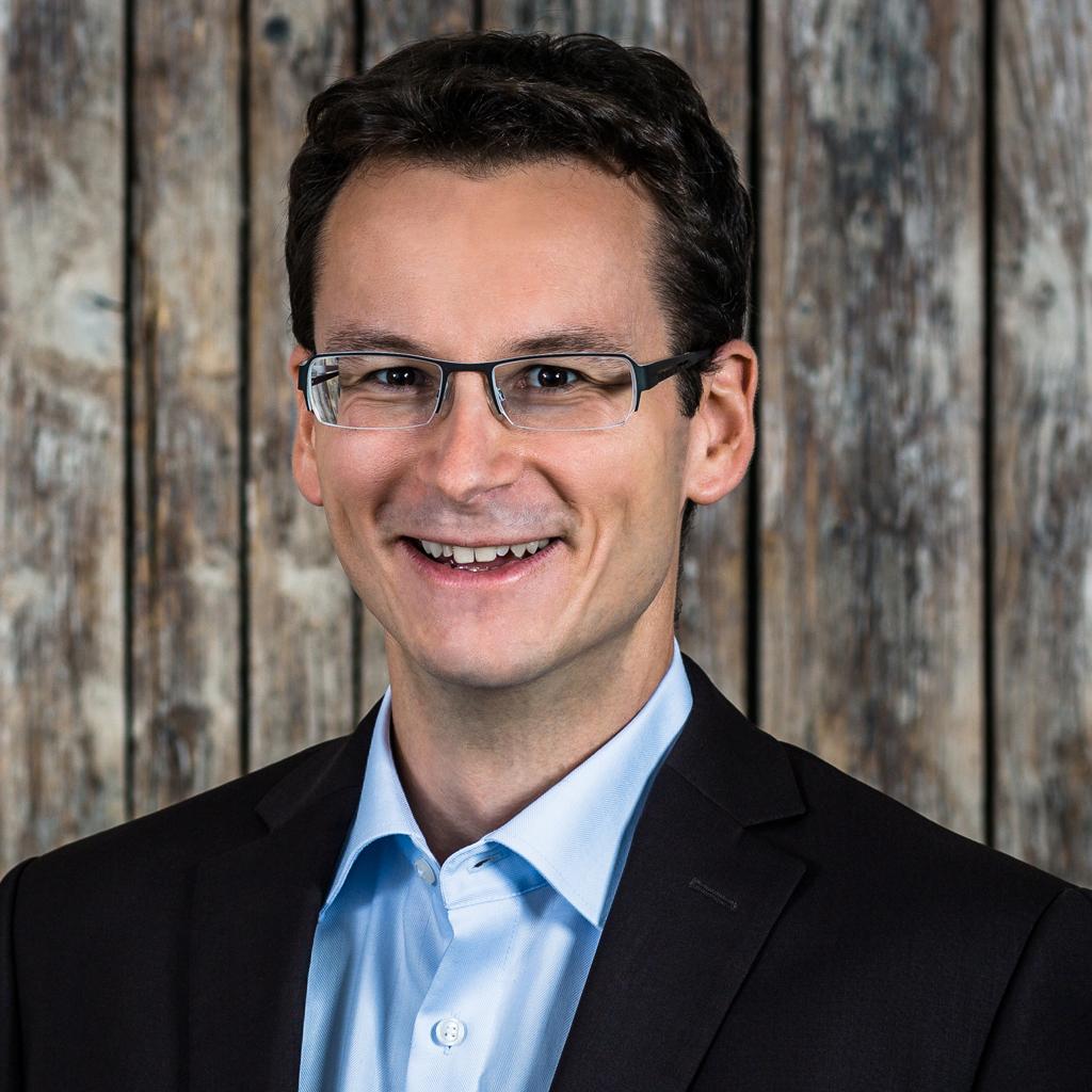 Portrait of Simon Weiss