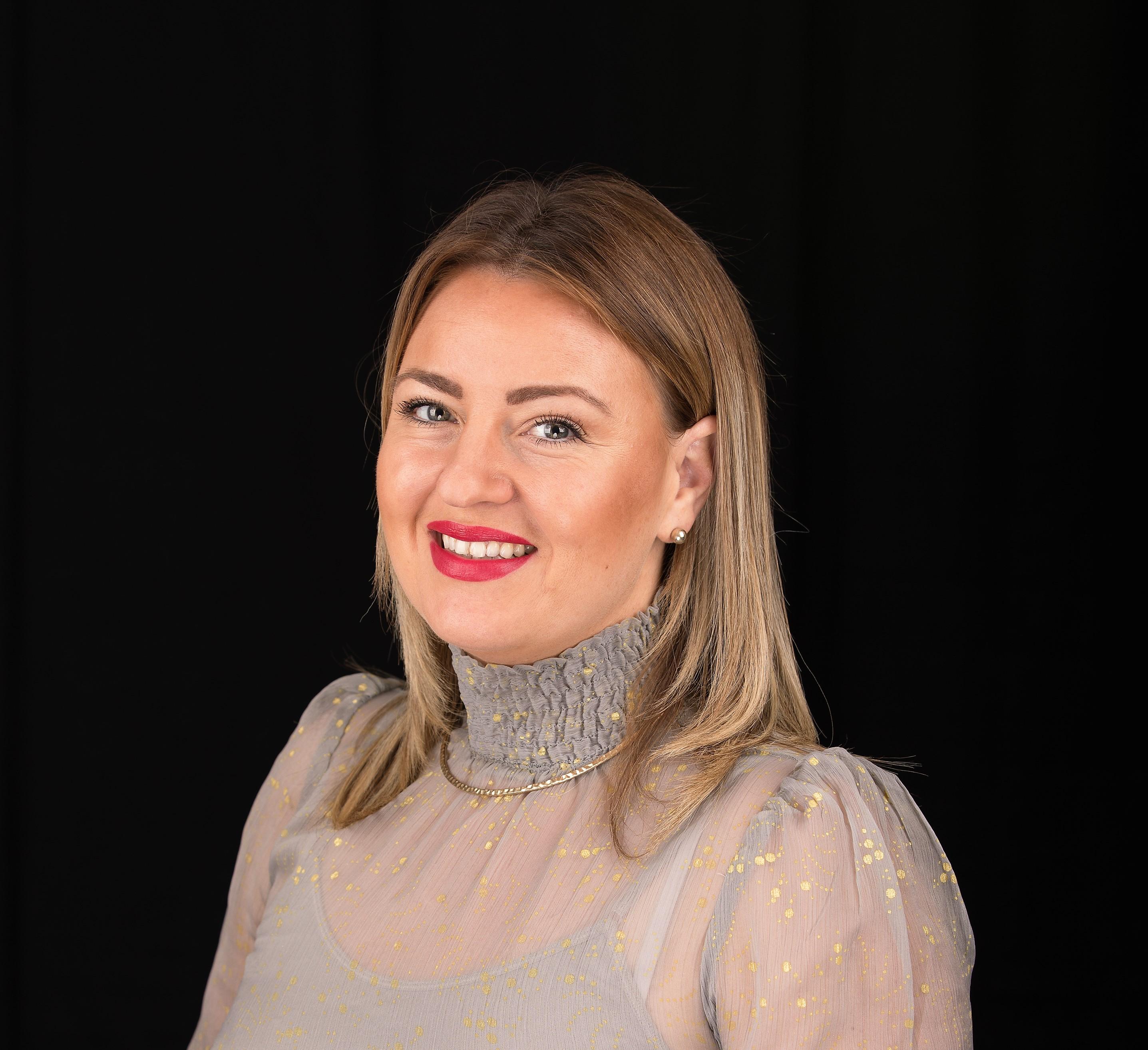 Portrait of Diana Bednar