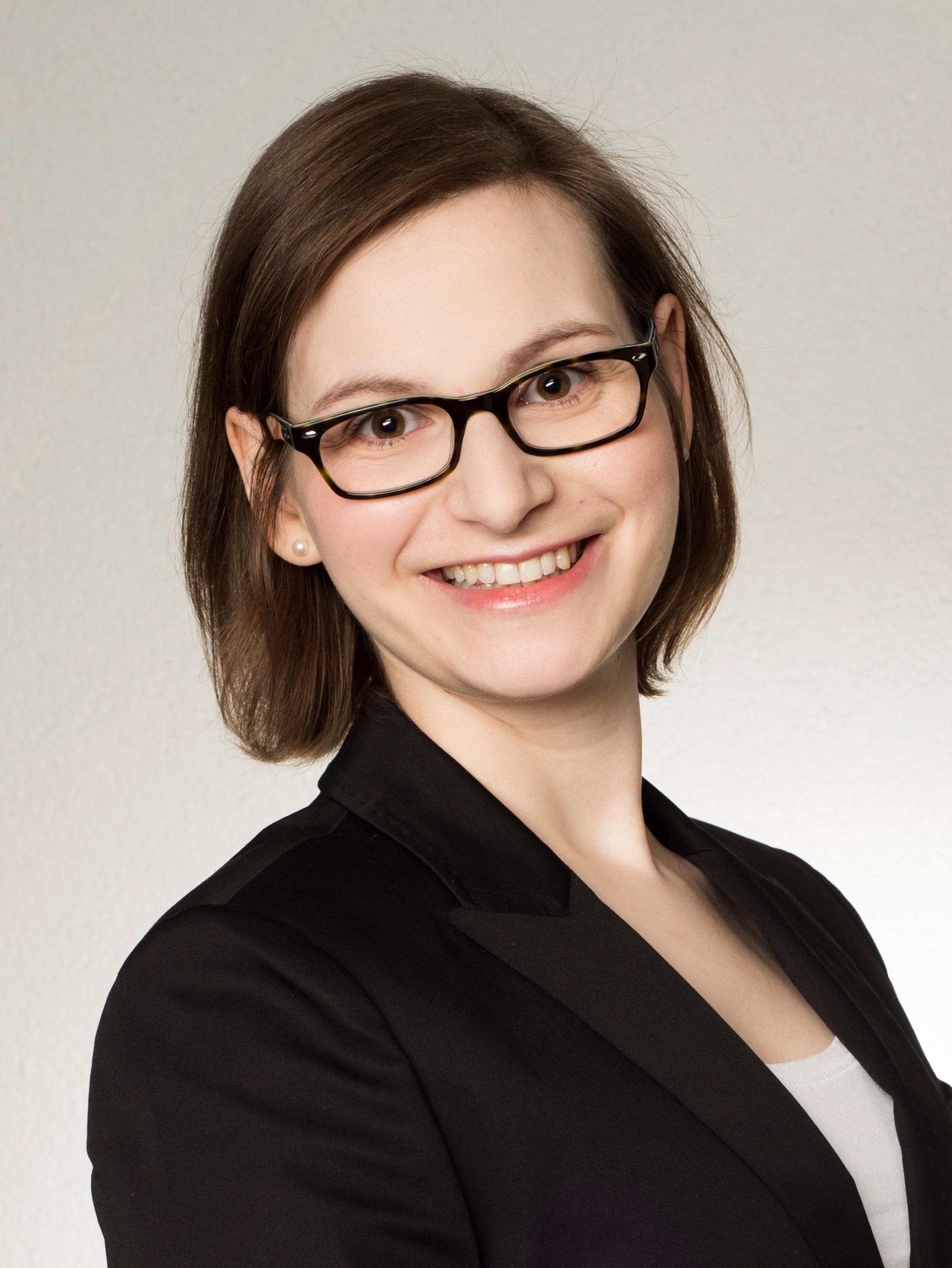 Portrait von Ann-Katrin Bremmer