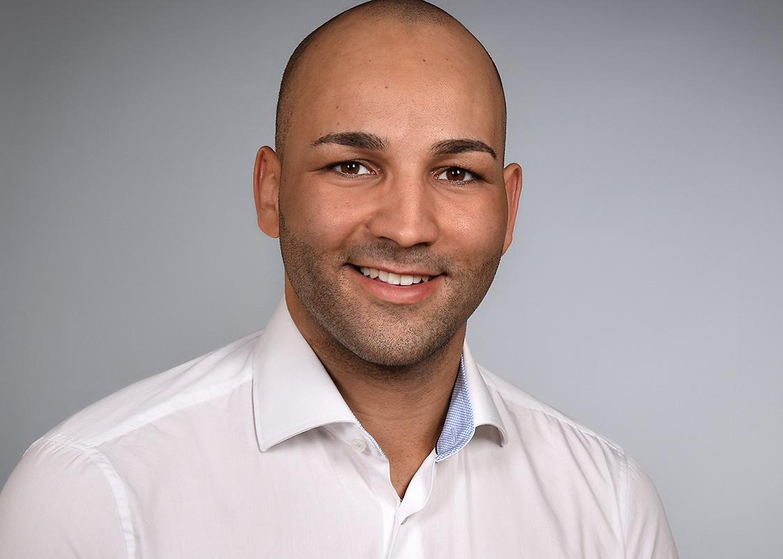 Portrait von Dennis Dominguez