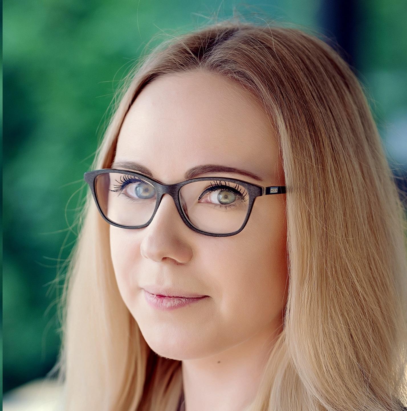 Portrait of Verena Freudner