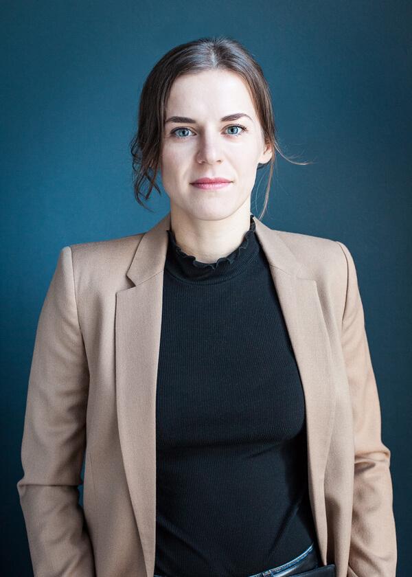 Portrait von Helene John
