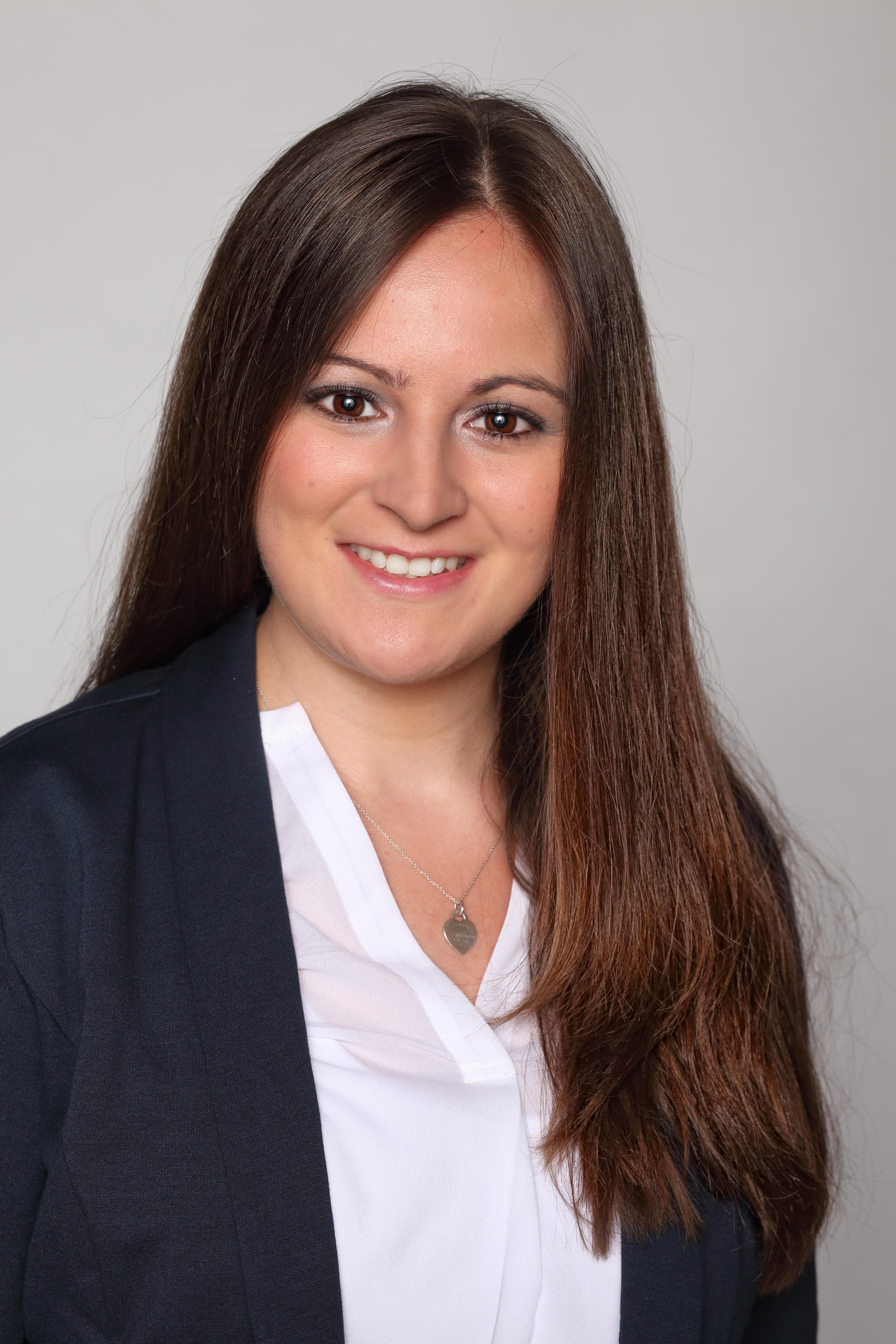 Portrait of Alina Schellenberg