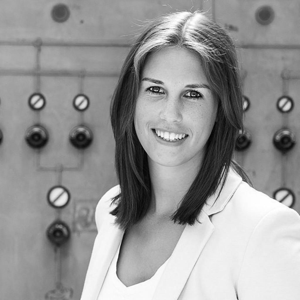 Portrait of Lara Ramien
