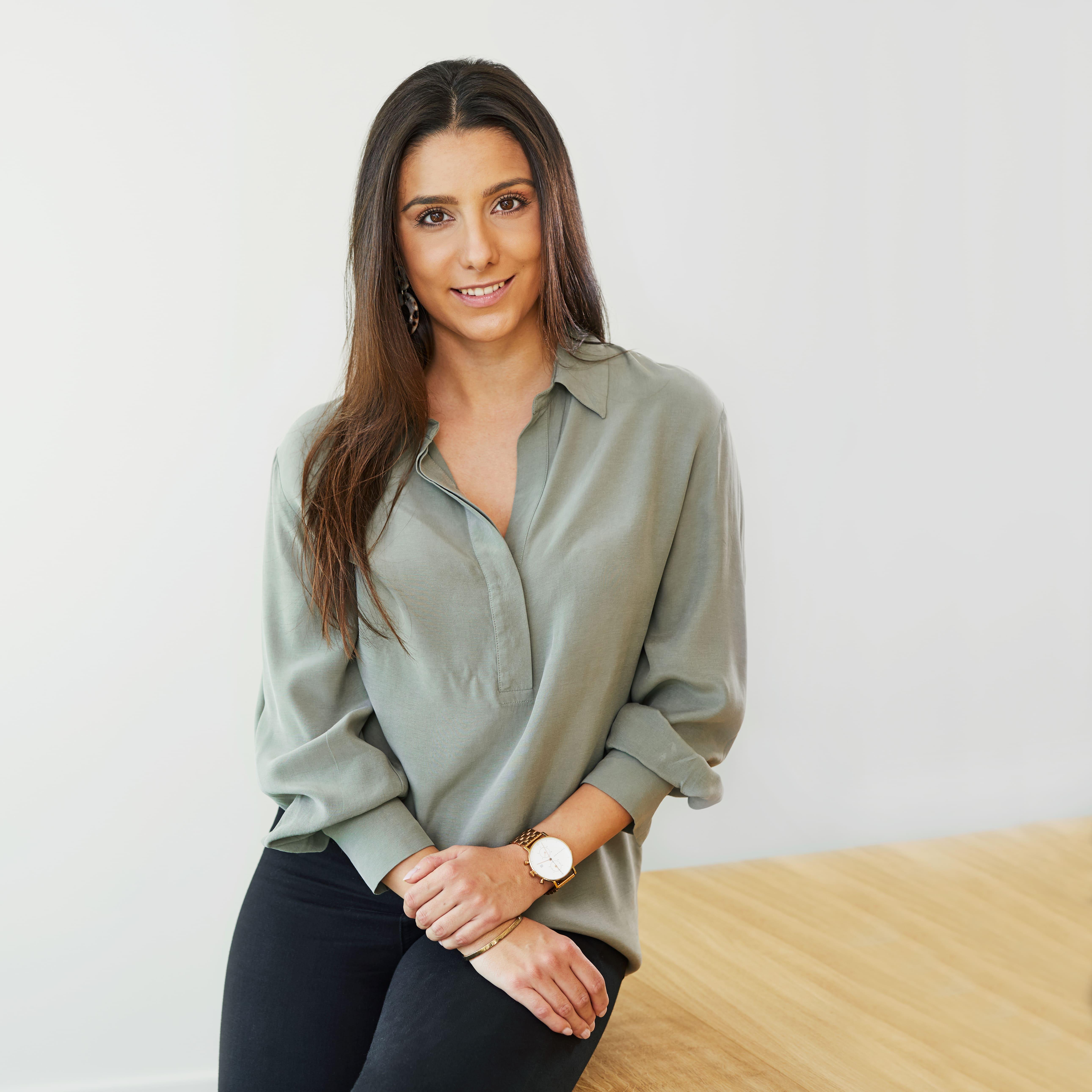 Portrait von Pia Famouri